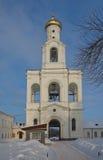 Belltower (1841) del monastero di St George. Novgorod, Russia Fotografia Stock Libera da Diritti