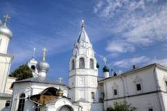 Belltower Annunciation της εκκλησίας και του στυλοβάτη ` παρεκκλησιών ` Stolp Μοναστήρι Nikitsky Στοκ Εικόνες