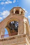 Belltower av den Etchmiadzin domkyrkan fåtöljer Royaltyfri Fotografi