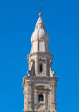 Belltower. Catedral de Monopoli. Apulia. fotos de archivo libres de regalías