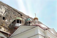 Belltower d'un monastère de caverne Photo stock