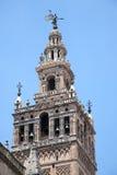 Belltower de cathédrale de Giralda de La en Séville Images stock