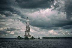 Belltower della st Nicholas Cathedral, Kalyazin, Russia Fotografia Stock Libera da Diritti