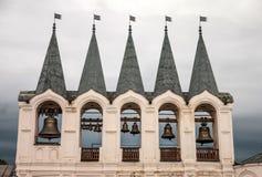 Belltower do monastério de Tikhvin Rússia Imagens de Stock Royalty Free