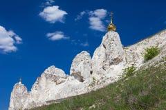 Belltower jama monaster w Kostomarovo zdjęcia stock
