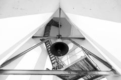 Belltower in kerk Type van een klok van onderaan Royalty-vrije Stock Afbeelding