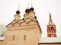 belltower kyrkliga ortodoxa russia Arkivfoto