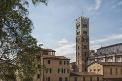 Belltower San Martino katedra w Lucca, Tuscany Obrazy Stock