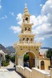 Belltower van traditionele Griekse kerk bij Paleochora-stad op het eiland van Kreta Stock Afbeeldingen