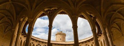 Bellver城堡,帕尔马,马略卡柱廊  免版税库存照片