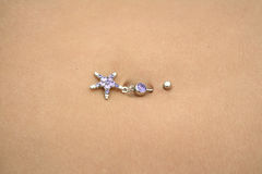Bellybutton piercing Royalty Free Stock Photos