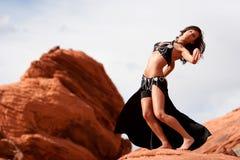 bellydancer target1532_1_ seksowne ładne skały Zdjęcia Royalty Free