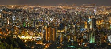 Belo Horizonte vid natt Arkivfoton