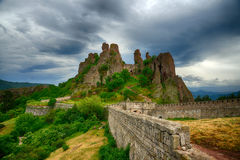 Belogradchik bascule le rempart de forteresse, Bulgarie Photo stock