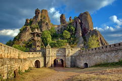 Belogradchik oscilla la fortezza, Bulgaria Immagine Stock