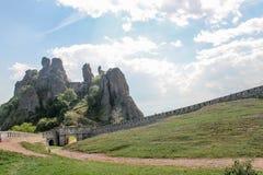 Belogradchik vaggar fästningen/den Belogradchishki skalien Royaltyfria Foton