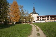 belozerskij kirillo修道院俄国墙壁 免版税库存照片