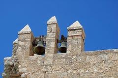 Bels contra o céu no monastério de Beit Jimal ou de Beit Jamal Catholic perto de Beit Shemesh fotografia de stock royalty free