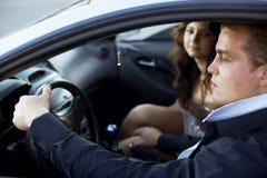 Belästigung im Auto. Lizenzfreies Stockbild