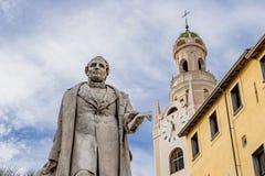 Belstoren en standbeeld 2 Royalty-vrije Stock Foto