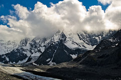 Belukha nas nuvens Imagem de Stock