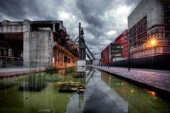 与鼓风炉的工业区在艾斯科/Belval,卢森堡 免版税图库摄影
