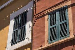 Belvedere Ostrense Ancona, Italia: finestre fotografie stock libere da diritti