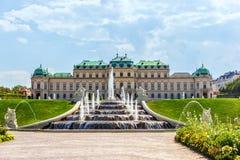 Belweder fontanna, widoczna pałac, Wiedeń obraz stock
