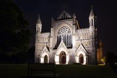 Belysning England UK för St Albans abbotsklosterkyrka royaltyfri bild