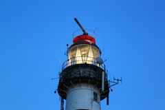 Belysningfyr Bornrif på den Ameland ön, Holland Royaltyfri Fotografi