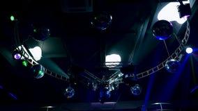 Belysningsystem f?r dansgolvet i en nattklubb arkivfilmer