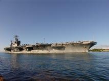 Bemannen der Schienen des USS Abraham Lincoln Lizenzfreies Stockbild