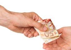 Bemannen Sie das Geben einer Frau 50 von Euro, Blut stockbild