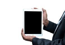 Bemannen Sie das Halten eines Tablet-Computer frontview lokalisiert auf weißem Hintergrund Lizenzfreies Stockbild