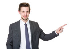 Bemannen Sie das Zeigen, den Exemplarplatz zeigend, der auf weißem Hintergrund getrennt wird Lizenzfreies Stockfoto