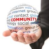 Bemannen Sie klicken ein Gemeinschaftstaste, Leute in der Gemeinschaft, die durch Ikonen dargestellt wird Lizenzfreies Stockfoto