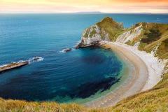 Bemannen Sie O-` Kriegs-Bucht auf der Dorset-Küste in Süd-England, zwischen den Landspitzen von Durdle-Tür zum Westen und Kriegs- lizenzfreie stockfotos