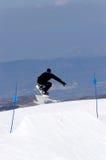 Bemannen Sie Snowboarding auf Steigungen des Pradollano Skiorts in Spanien Lizenzfreie Stockfotos