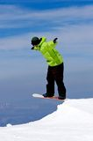 Bemannen Sie Snowboarding auf Steigungen des Pradollano Skiorts in Spanien Stockfotos