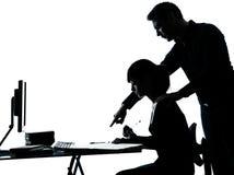 Bemannen Sie Vaterlehrerstudentenmädchenjugendlich-Hausarbeitschattenbild Stockfoto