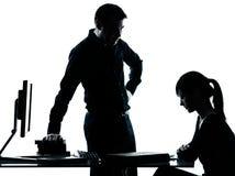 Bemannen Sie Vaterlehrerstudentenmädchenjugendlich-Hausarbeitschattenbild Lizenzfreies Stockfoto