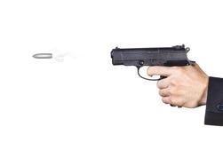 Bemant hand van een kanon wordt geschoten dat stock foto