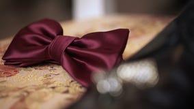 Bemant manier: cufflinks, schoenen en bowtie stock footage