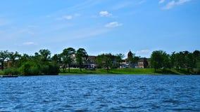 Bemidji, Minnesota d'un bateau sur le lac Bemidji photographie stock libre de droits