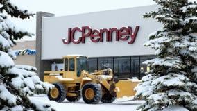 BEMIDJI, MN - 27 2018 DEC: JC Penney handlu detalicznego centrum handlowego lokacja podczas zimy śnieżnej burzy zbiory
