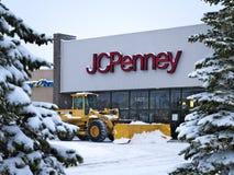 BEMIDJI, MN - 27 DICEMBRE 2018: Entrata di JC Penney Retail Mall nell'inverno immagini stock
