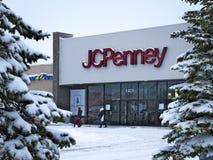 BEMIDJI, MN - 27 DICEMBRE 2018: Entrata di JC Penney Retail Mall nell'inverno fotografia stock