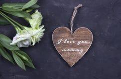 Bemuttern Sie ` s Tageskarte mit Text ich liebe dich Mama Stockfotografie