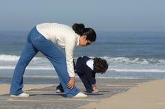 Bemuttern Sie und ihre Tochter lizenzfreies stockbild