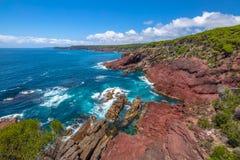 Ben Boyds National Park: Puesto de observación rojo del punto Imagenes de archivo